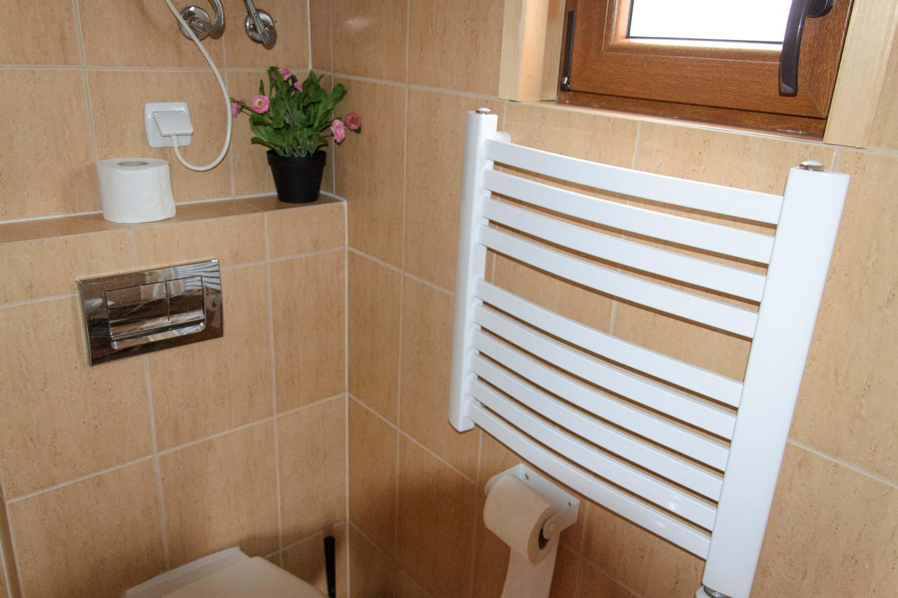 Łazienka w domku letniskowym w Kopalinie